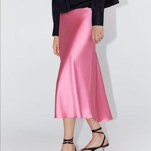 Zara Skirts - Zara satin skirt